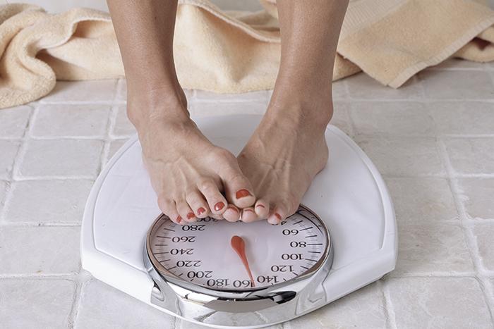 El sobrepeso debilita el suelo pélvico. Fuente: centradaenti.es